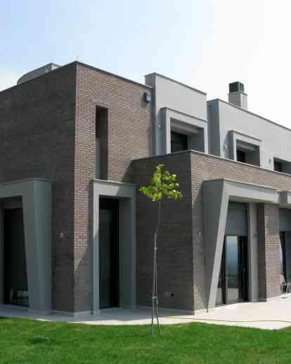 全景中的两栋独立式房屋-塞萨洛尼基